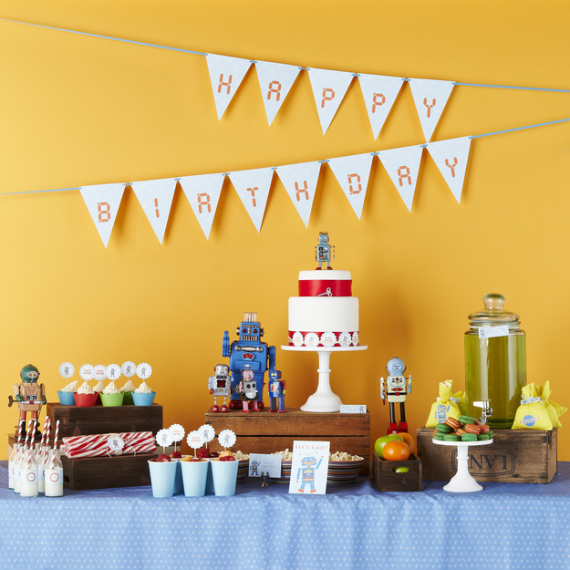 Birthday Photography Tips And Tricks: 22 Adorable Ideas For An Epic Robot-Themed Birthday Party