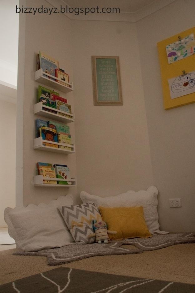 21 Cozy Makeshift Reading Nooks