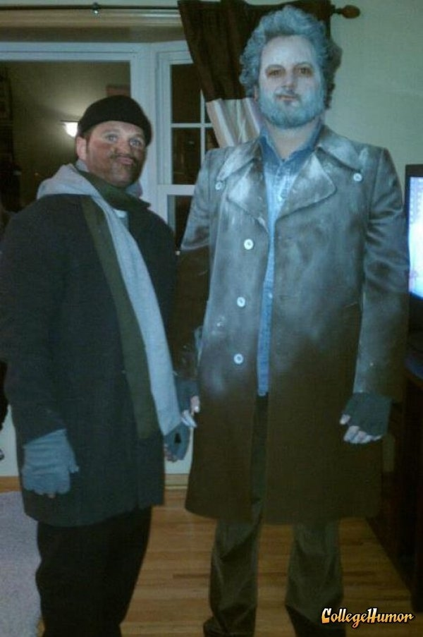 16 diy costumes based on your favorite 39 90s movie character for Home alone theme decorations