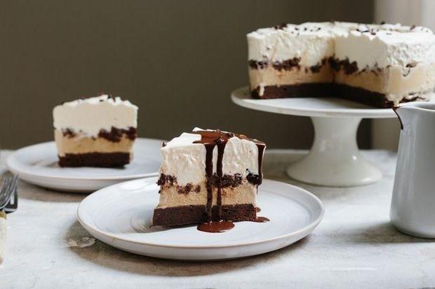 Easy Brownie-Ice Cream Cake Anyone Can Make