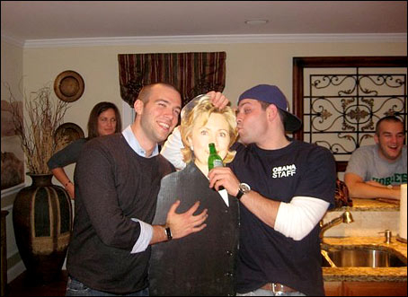 Obama Speechwriter Gropes Hillary