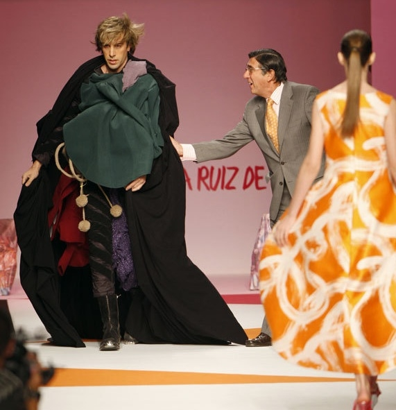 Bruno Crashes Fashion Show