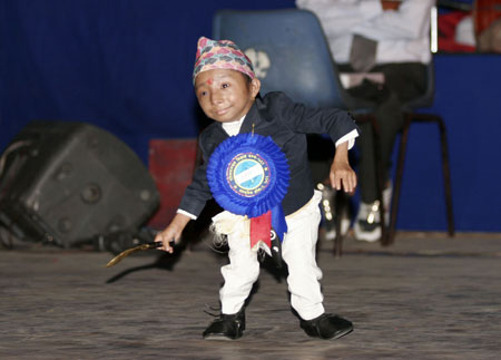 World's Smallest Man, Dancing!