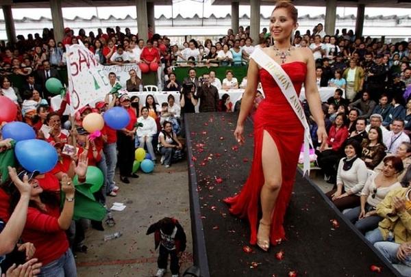 Russian Prison Beauty Pageant