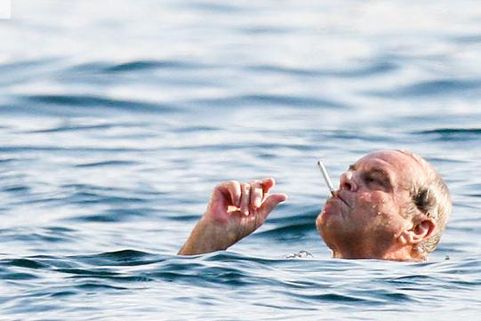 The Best Jack Nicholson Vacation Photos