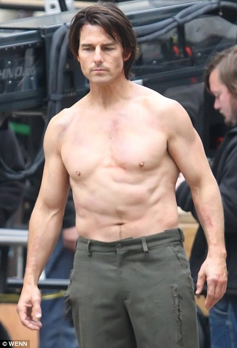 What Happened To Tom Cruise's Torso?