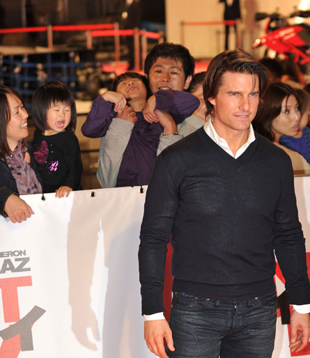 Tom Cruise Terrorizes Japanese Children