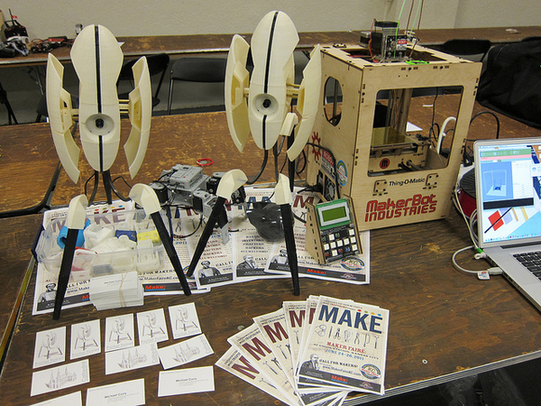 Thing-O-Matic Prints 3D Portal Turrets