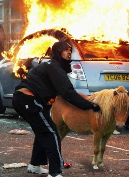The Strangest Photo From The London Riots