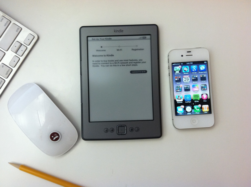 New Kindle Vs. iPhone 4 (Size Comparison)