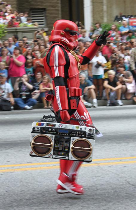This Stormtrooper Keeps It Oldskool