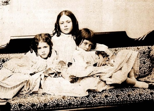 The Real Alice and Sisters