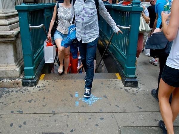 Sidewalk Graffiti Provides Navigational Assistance For Subway Commuters