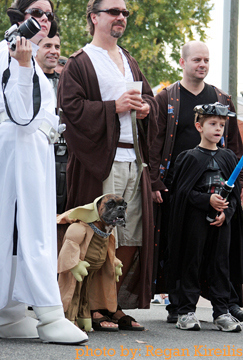Halloween Star Wars Family W/ Yoda Dog