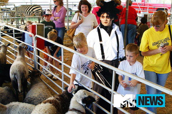 Edward Scissorhands Visits The Petting Zoo (& More!)