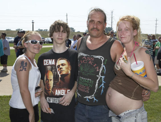 The Most White Trash Family Photo Ever Taken