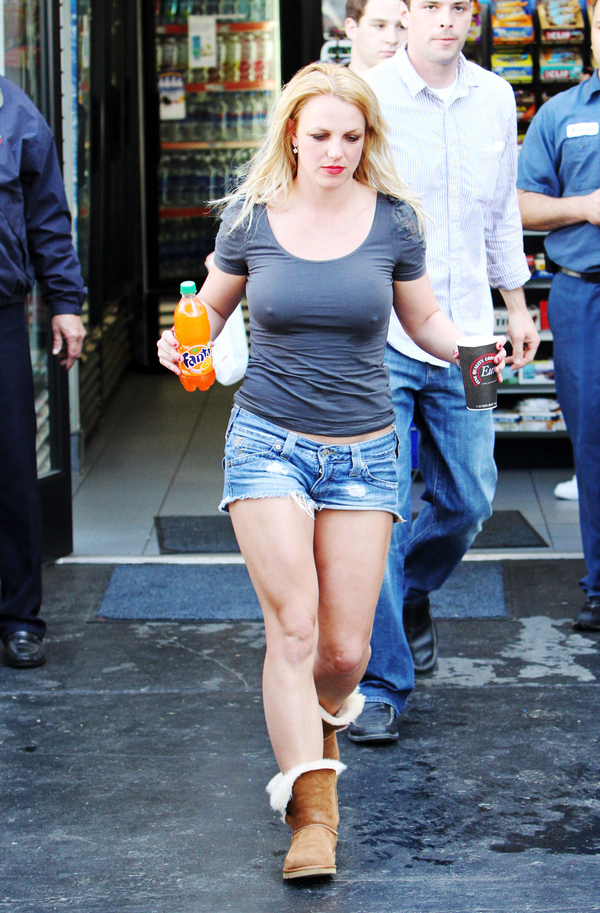 Britney Spears Sporting Daisy Dukes, No Bra, Boobie Sweat And An Orange Fanta