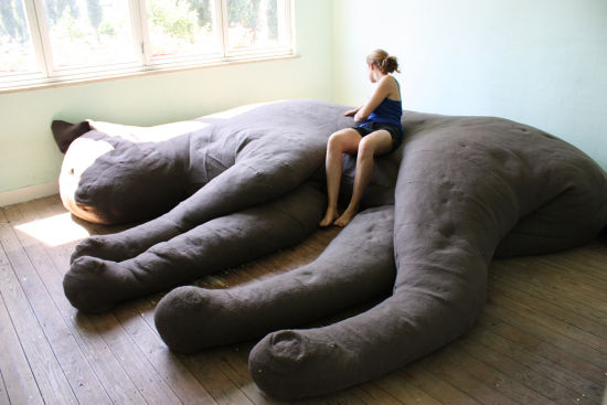 Giant Kitteh Couch