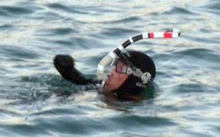 Quadruple Amputee Swims English Channel