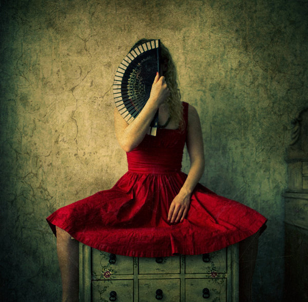 Creative Portrait Photography by Liliana Karadjova