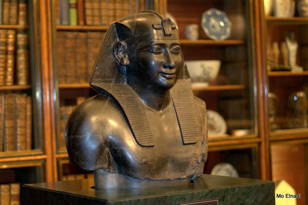 Breaking: Mubarak Spotted in London Museum!