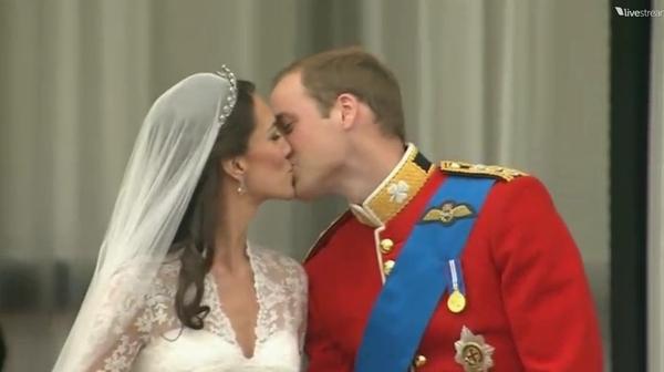 William & Kate: Royal Wedding Kiss