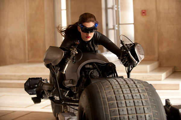 First Catwoman Image Arrives