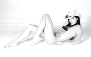 Adrianne Curry New Naughty Twitter Pics