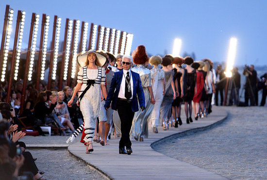 CHANEL'S CRUISE 2010 SHOW AT SUNSET IN VENICE