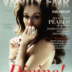 Anna Friel Topless in Vanity Fair Magazine