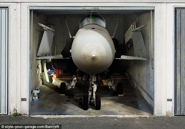 Jet Fighter in Garage!