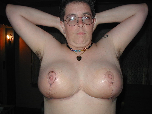 Who Wants to See This Guys Tits?(NSFW)