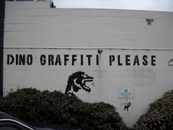 [Di]No Graffiti Please