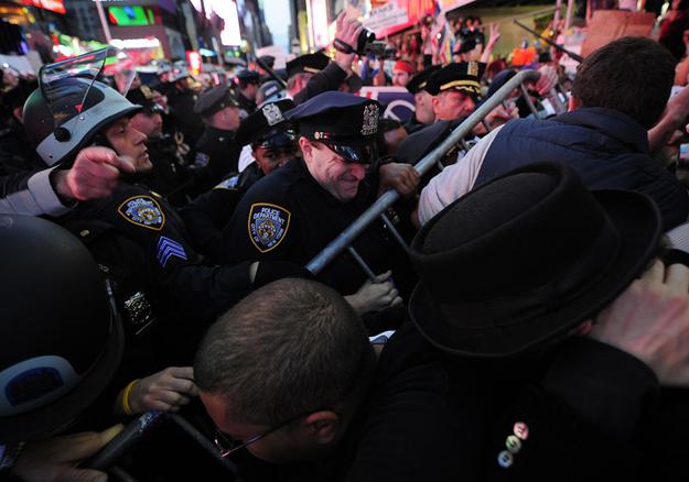 Robert De Niro Has Joined the NYPD!
