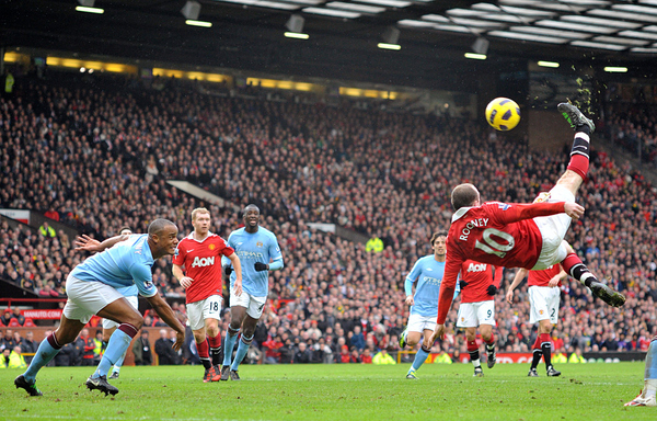 Rooney's Amazing Bicycle Kick Goal Vs. Manchester City.