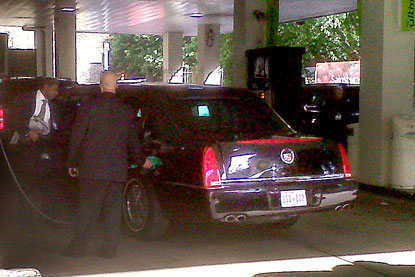 "President Obama Fills Up ""The Beast"" at BP! [PHOTO]"