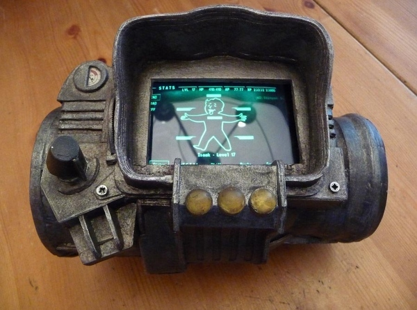 Fallout 3 PipBoy 3000 Powered by IPhone