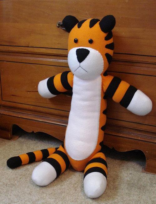 Trap a Hobbes Stuffed Animal With Tuna