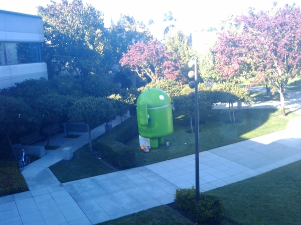 Blown Up Android Standing Guard at Google Headquarters | Lol Android