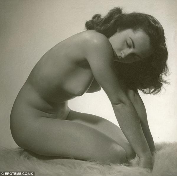 Nude Elizabeth Taylor At 24 (NSFW)