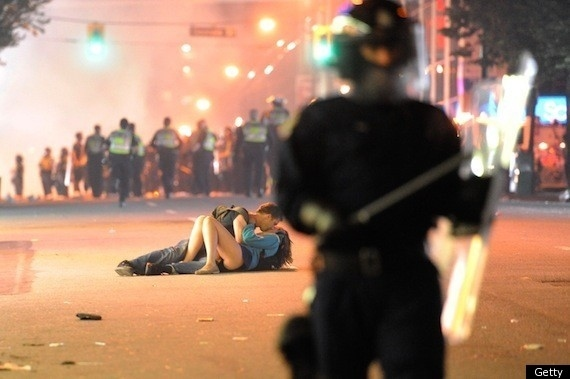 Couple Makes Out During  Vancouver Riots 2011