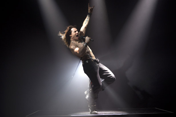 Tom Cruise Looks RIPPED for 'Rock of Ages'