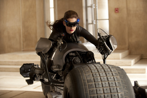 And Here's Your First Look at Anne Hathaway As Catwoman. Rrrawr.