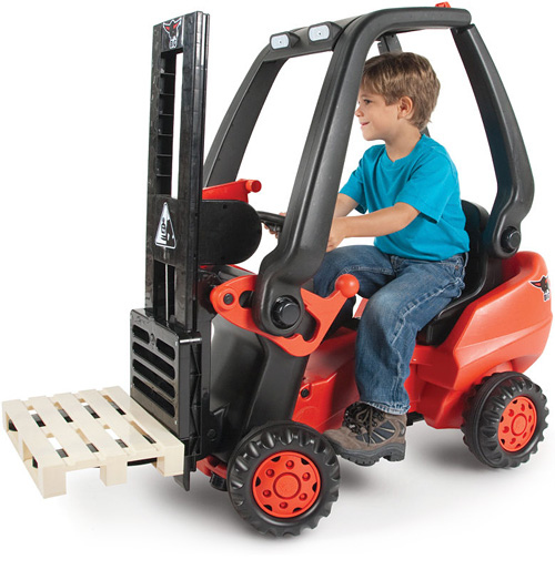 Pedal-Powered Fork Lift For Kids And Hipsters
