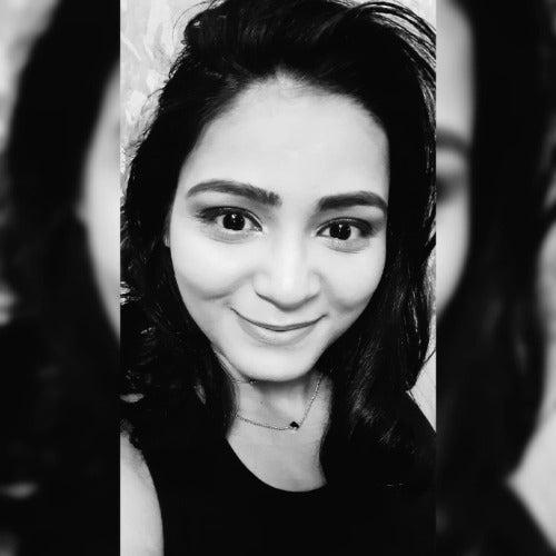 Nidhi Thakur's avatar