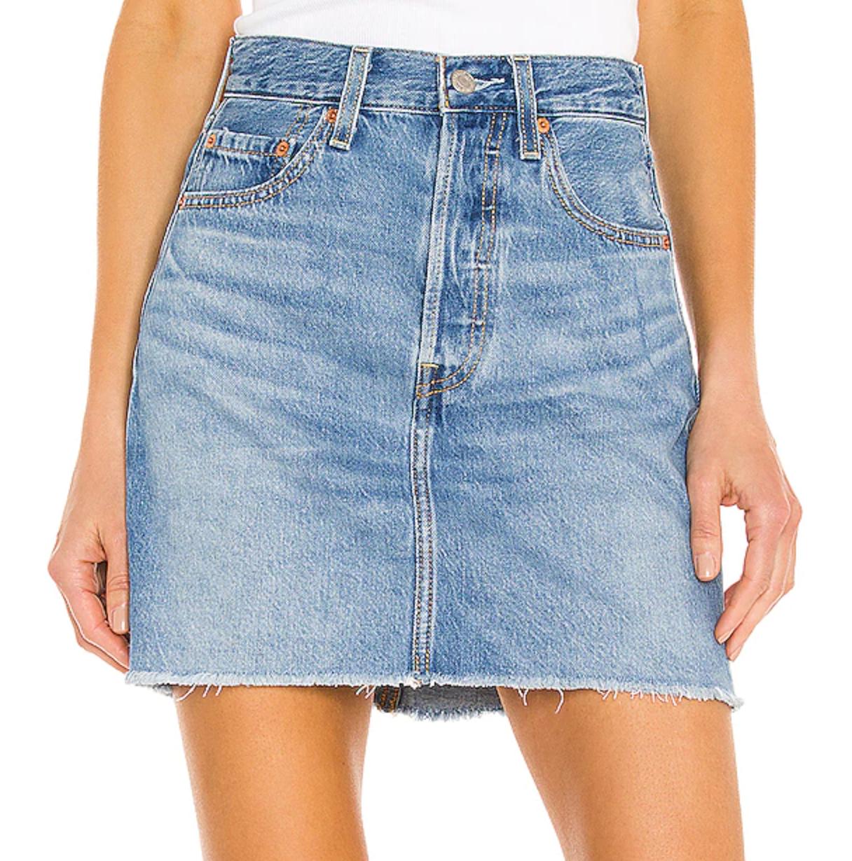 a light wash levi's denim skirt