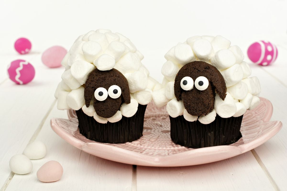 Cupcakes decorated to look like sheep