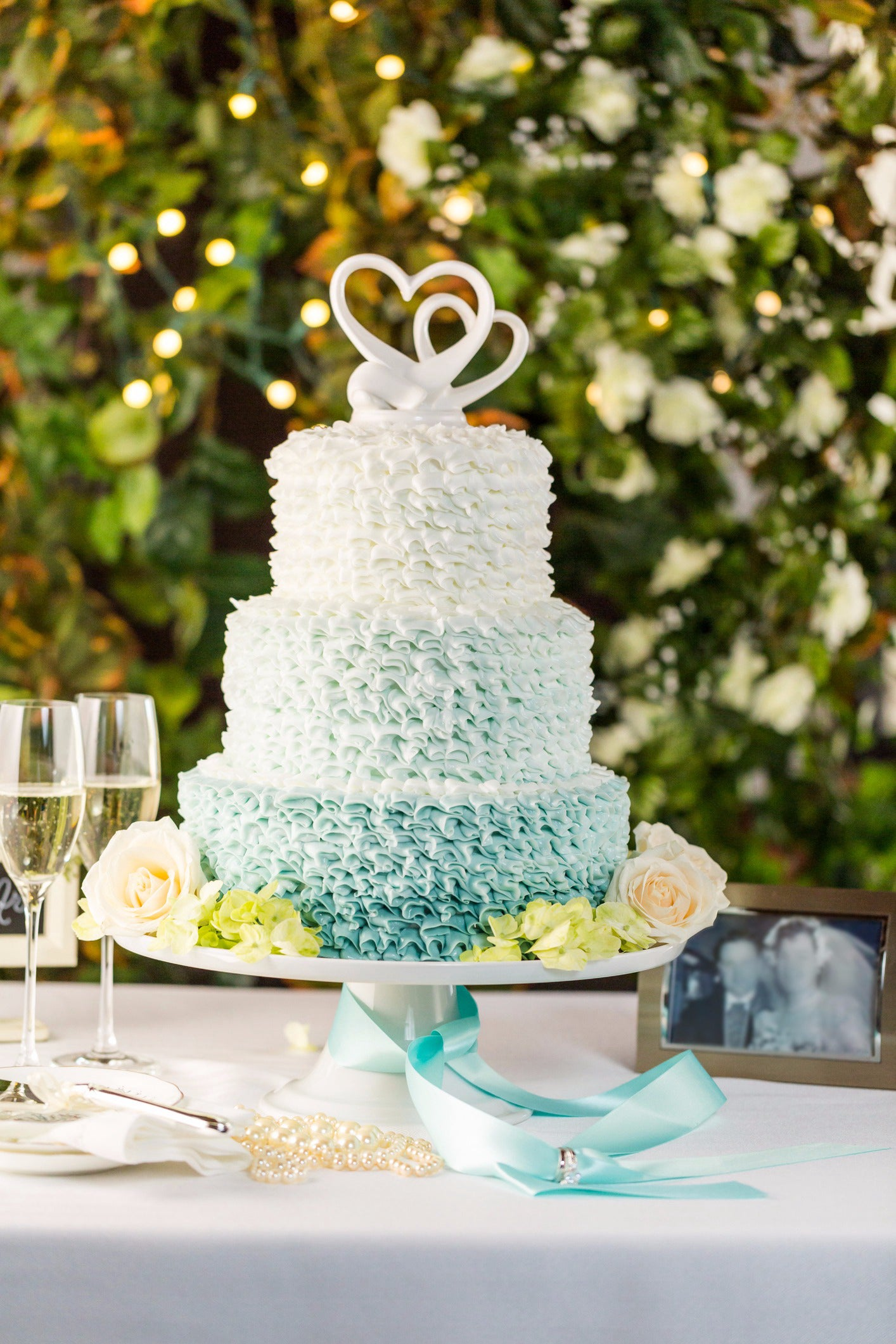 Rate These Wedding Cakes And We ll Reveal What Kind Wedding You