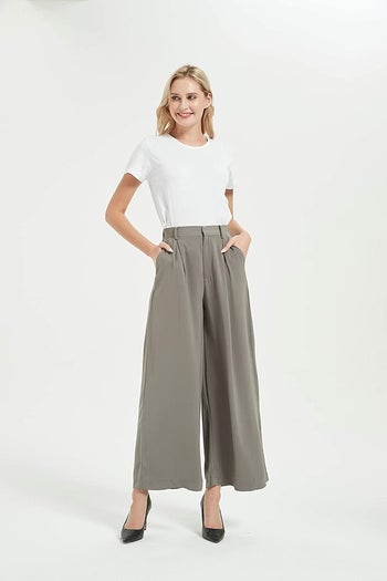 different model wearing the pants in grey