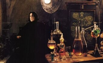Snape teaches potions class